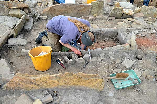 Excavation-in-progress-on-the-post-settings-of-the-big-hearth