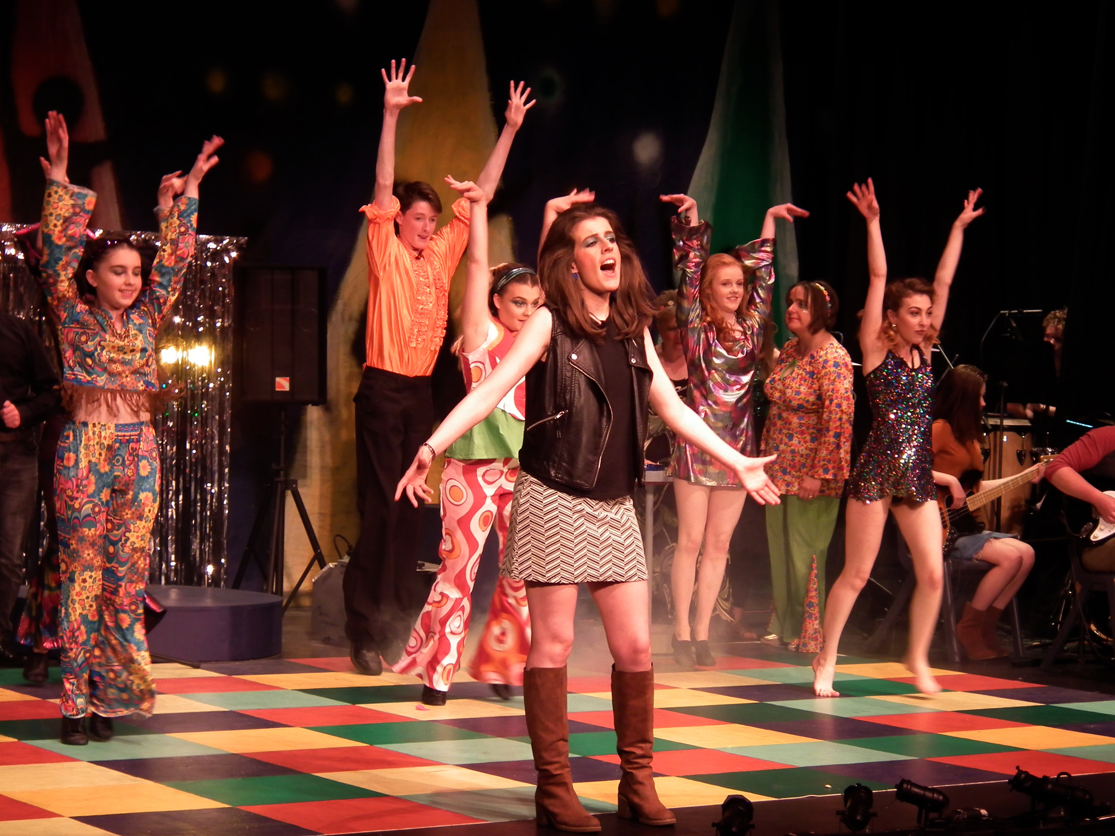 BOOGIE NIGHTS DRAMA REVIEW