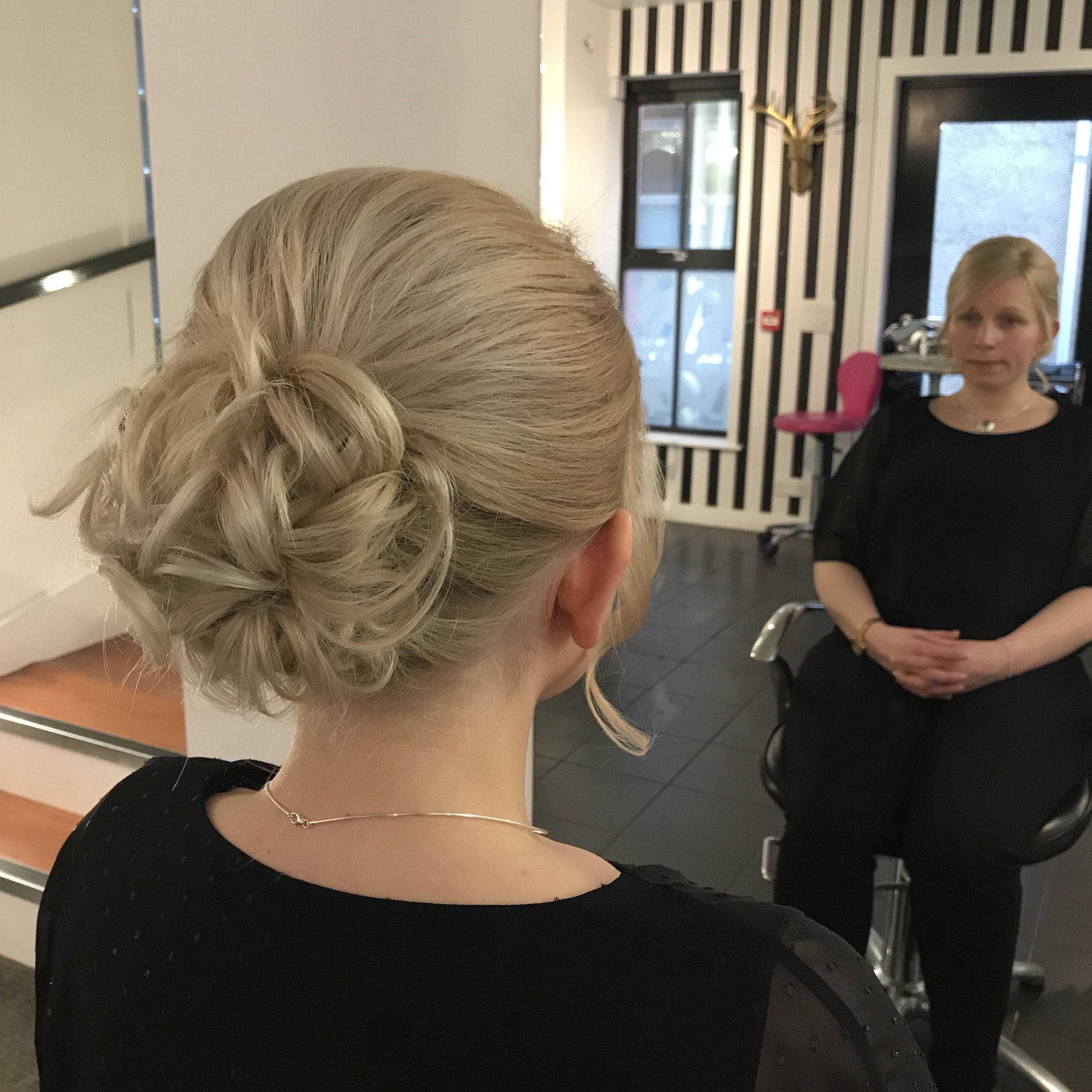A makeover with... SALON7