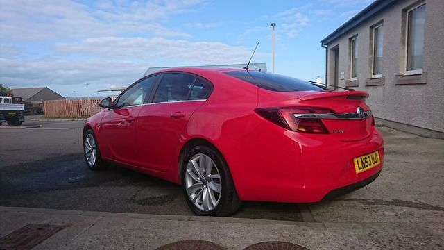 2013-vauxhall-insignia-red-3