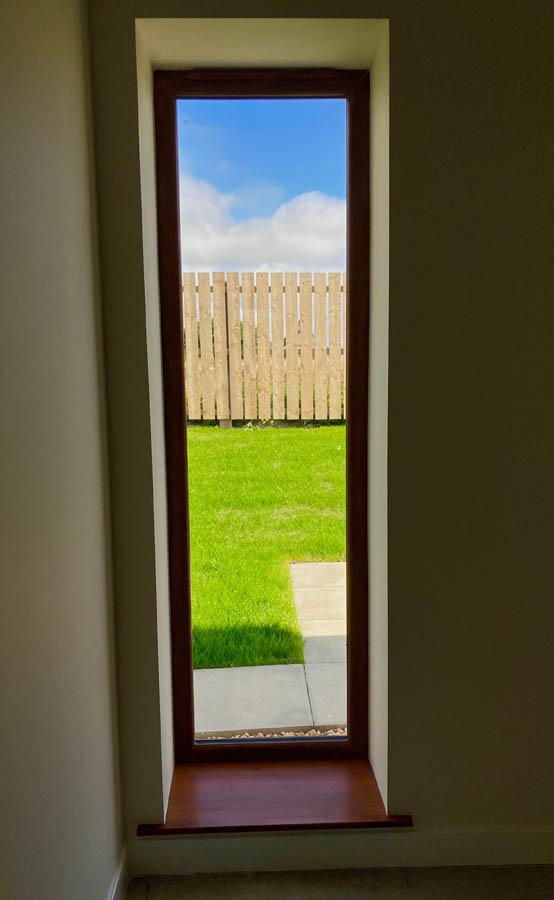 p40 bedroom long window